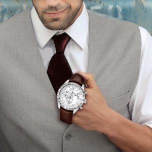 e616aa249c52 Aké pánske hodinky k obleku